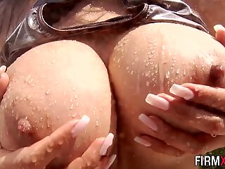 Big booty brunette
