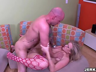 Daryn Darby loves getting her mouth washed out with sticky cum
