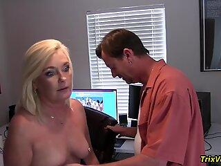 Fucking the HOT Secretary