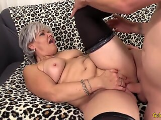 Grey Haired Granny Kelly Leigh Fucks Like Shes in Her 20s