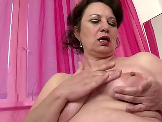sweet fledgling mature mummy with thirsty pussy
