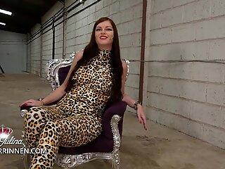 Empfange den Befehl Deiner Latex Catsuit Herrin Lady Julina