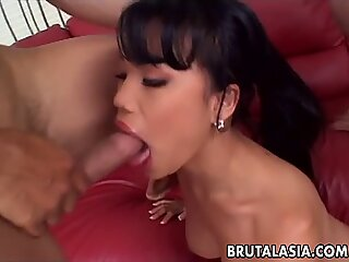 Thai bitch is a sizzler fucking with two hard cock