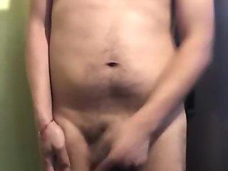Masturbando muy rico