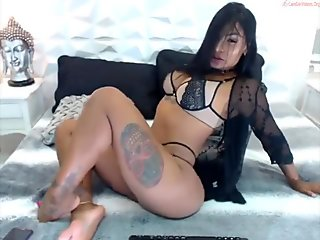 MULATTO HAS SHOWED THE BEAUTY OF HER BODY ON CAM