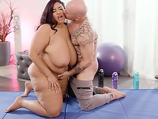 BBW Sofia Rose'_s Pussy Stuffed With The Personal Trainer'_s Dick