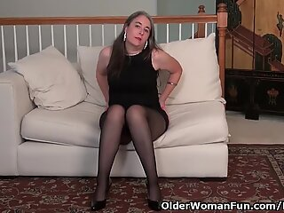 USA gilf Kelli will turn you on with her gentle bod